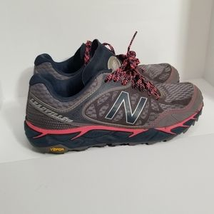 EUC New Balance Leadville Trail shoes size 5
